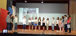 учесници поетско-сценског приказа ПОКОЉЕЊЕ ЗА ПЈЕСМУ СТВОРЕНО