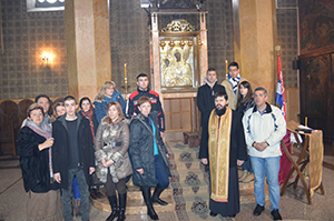 поклоници у Цркви Успења Пресвете Богородице у Чајничу